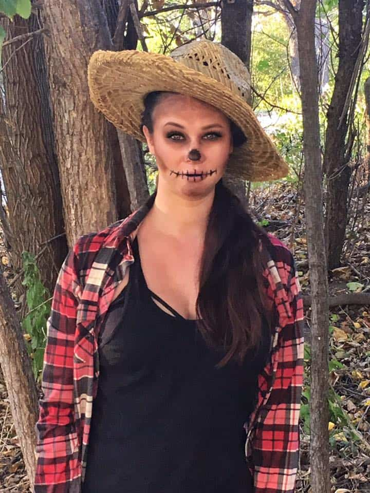 Easy Last Minute Halloween Costume Ideas | Thrifted & Taylor'd | www.ThriftedandTaylord.com