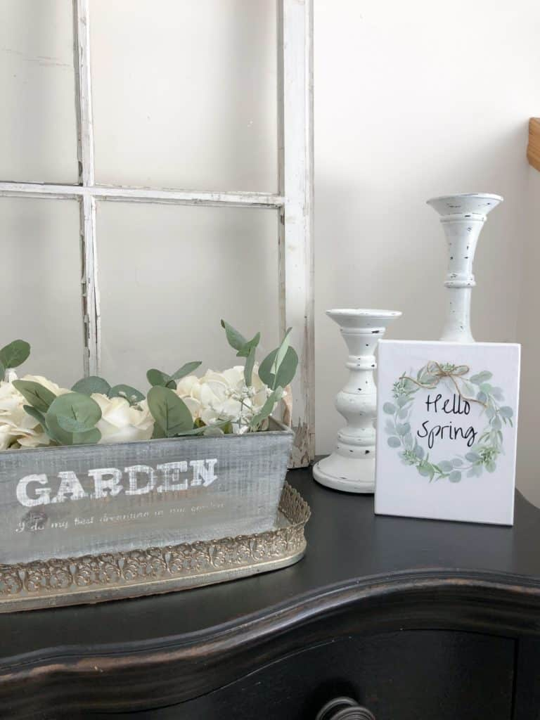 Thrift Store DIY'S | Farmhouse Wood Sign Transformation | #thriftstorefinds #thriftstorediy #farmhousedecor #farmhousediy #diyhomedecor #woodsigns #farmhousewoodsigns