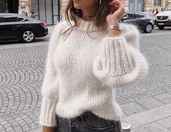 Finding fall trends at the thrift store. | Fall 2019 Fashion Trends | Statement sleeves are a big trend this fall. For a more casual fall outfit pair it with some straight leg jeans.