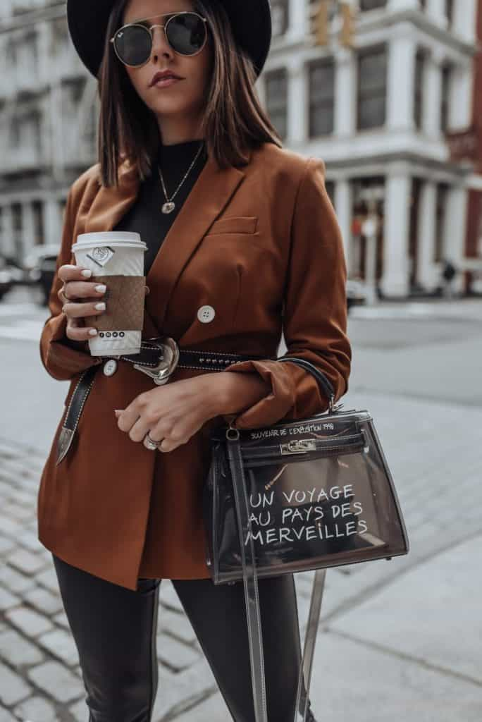 Thrifting Fall Fashion | Fall 2019 Fashion Trends | Belted Blazers are a big trend for fall. Try pairing it with a sleek turtleneck and leather pants for that it girl style outfit.