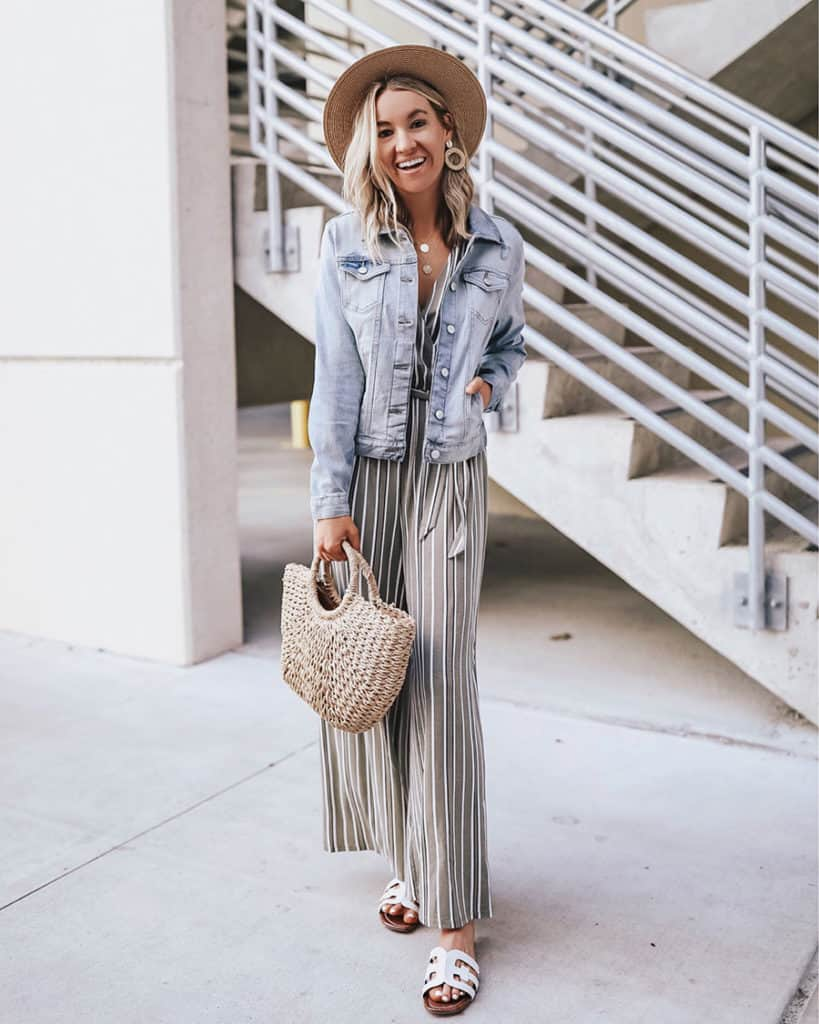 Switch out your warm winter accessories for more lightweight spring accessories. A super easy winter to spring wardrobe transition. Check out 6 other really easy ways to make the switch!