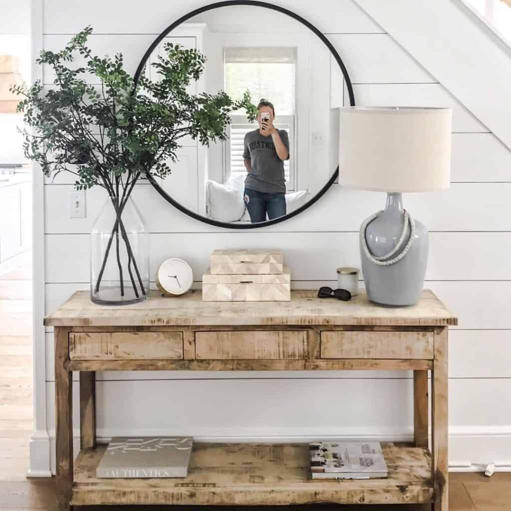 These simple home decorating tips are all you need to have you decorating like an interior designer. A large picture, sign, or mirror makes a great statement on a mantle, wall, or piece of furniture.