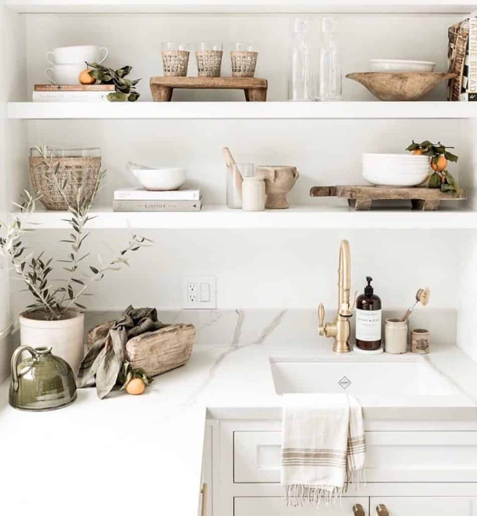 These simple home decorating tips are all you need to have you decorating like an interior designer. Try mixing antique decor with more modern decor for some variety.