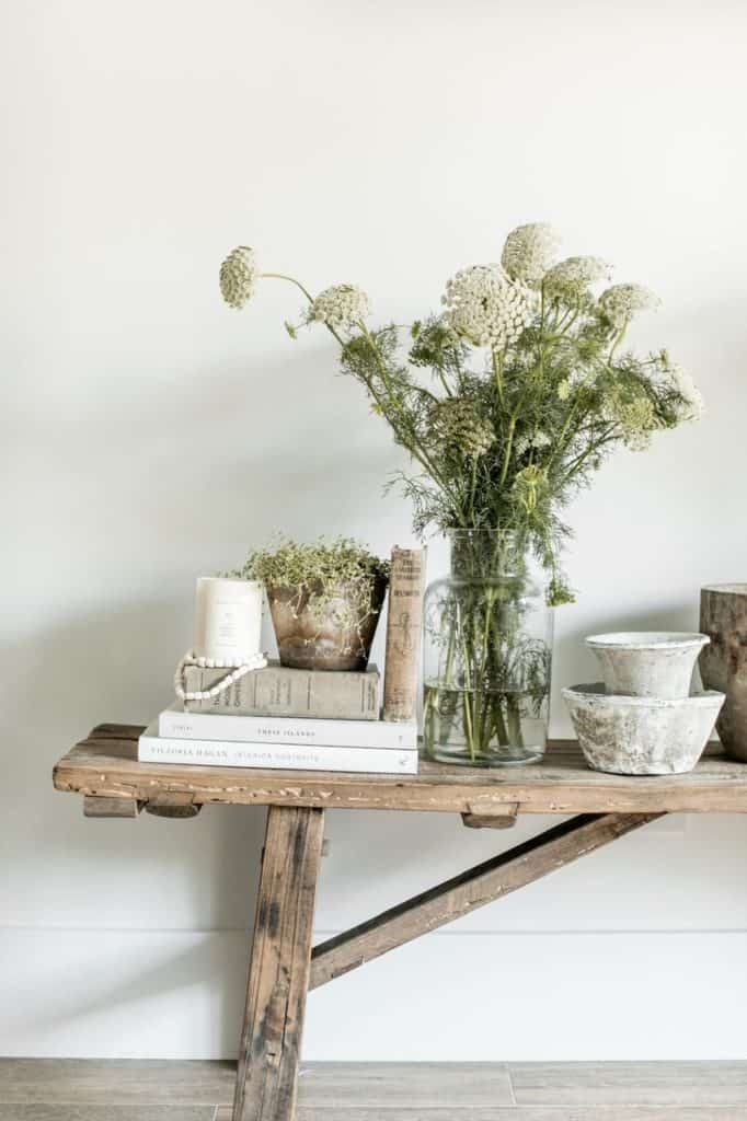 These simple home decorating tips are all you need to have you decorating like an interior designer. Adding candles throughout your home is a great way to add aroma and color.