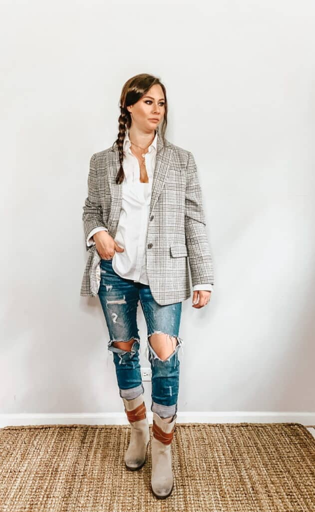 These thrifted fall basics are perfect for all your casual fall outfits. This basic white collared button down shirt can be worn casually by paring it with some ripped up jeans, a plaid blazer and some gray above the ankle boots with tan leather straps.